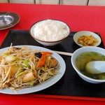 ぼんてん - 料理写真:野菜炒め定食800円(税別)
