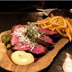牛カイノミのステーキ&フリット