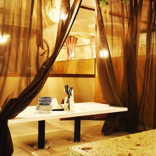 雰囲気のあるプライベートな個室空間