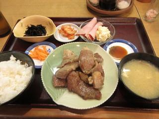 近江かね安 - 焼肉定食(肩ロース) 4300円 (2018.4)