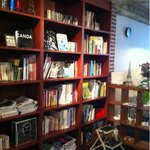 TRACTION book cafe -