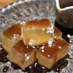 個室 肉バル マーケットグリル - 黒蜜シロップをタップリ