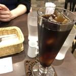 カフェ ドゥ パリ -