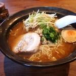 あじくらや - 料理写真:ドレみそラーメン(大)800円