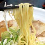 84869399 - 20180421醤油チャーシュー麺・麺リフト