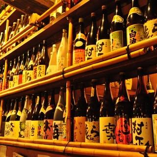 居酒屋とは思えない豊富なワインの種類を揃えております。