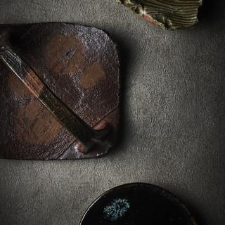全国から厳選した伝統陶器を使用しています
