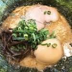 六角堂 - 魚介とんこつラーメン+のり アップ