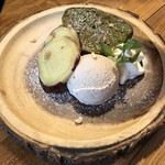FARMER'S KITCHEN GREEN TIME - 大納言と抹茶のパウンドケーキ490円