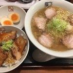 84885831 - 喜多方ラーメンL(*´ω`*)チャーシュー丼set