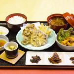レストラン雪国 - 料理写真:春限定★きのこ御膳 雪国まいたけのキノコとブランド椎茸天恵菇の天ぷら入り