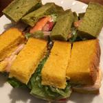 84888580 - 海老とサーモンのサンドイッチ