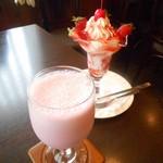 コーヒーハウス純 - ストロベリーセーキ&いちごパフェ