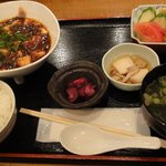 総作居酒屋 北新地 大和 - 麻婆豆腐定食700円