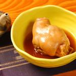 沖縄料理の店 くすくす - 足てびち(豚足煮付け)