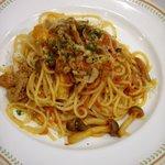 8491551 - 牛肉とキノコのトマトソーススパゲッティ