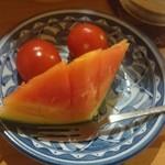 壱番館 - お通しのフルーツ 無料