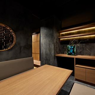 テーブル・個室・カウンターと席種も豊富