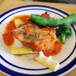 坂元食堂 - ★鶏もも肉のグリル バジル風味の手作りトマトソース