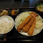 Sakesakanaomata - 海老フライ定食