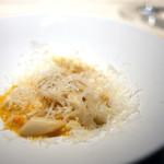 西麻布 K+ - フランス産ホワイトアスパラ 卵とパルミジャーノチーズ