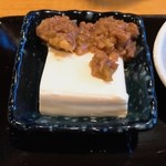 創作ダイニング かしわ - この店自慢の肉味噌とお豆腐