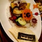 84934897 - イベリコ豚と煮込み野菜のスパイシーチーズカレー膳