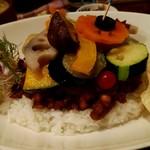 84934902 - イベリコ豚と煮込み野菜のスパイシーチーズカレー膳