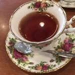 ビストロ ターボー - 紅茶