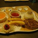 びっくりドンキー - お子様ランチスープ付き(¥512)