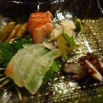 周 - お刺身盛り合わせ・・・ヒラメやキンキなどいい食材が使われていて美味しいですね。