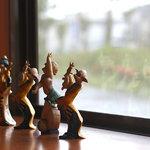 角煮ラーメングー - この子達が窓辺で待ってますよ--。