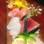 蕎麦・鮮魚 個室居酒屋 へぎ蕎麦 村瀬 - 刺身盛り合わせ