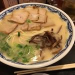 84945995 - 豚バラチャーシュー麺 900円