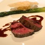 84948104 - 和牛ヒレ肉のソテー アンティカ オステリア デル ポンテの赤ワインソース