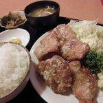 上越 食道園 - から揚げ定食 680円 (2011.7)