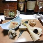 筍亭 - 料理写真:前菜、瓶ビール