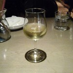 84956758 - グラスワイン・白