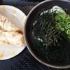こがね製麺所 - 料理写真:かけ小(税込み230円)とゲソ天(税込み150円)