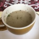 アショカ - セットのスープ。スパイシー