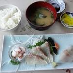 食事処マルタ活魚 - 刺身定食