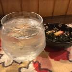 酒肴柚 - 麦焼酎水割り