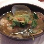 ビストロ アギャット - 旬の魚介のサフランスープ仕立て
