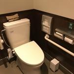 84978805 - 2018/04 男女兼用のトイレ…トイレは、男女兼用のトイレと女性専用トイレがある。男女兼用のトイレにはウォシュレット設備なし