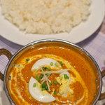 シリザナ - 料理写真:キーマエッグカレー(挽肉とゆで玉子入りのカレー)