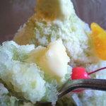 いずみ - 粗挽きの氷にアイスクリーム。体の中からすずしくなります♪【夏季限定のかき氷】