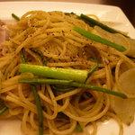 8498376 - 平日限定パスタランチ(1000円)緑野菜とアンチョビのスパゲッティ