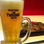 MOGAMI. - まずはビール。今日はプレミアムモルツが380円!