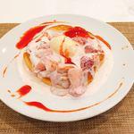 84982016 - 苺のスフレパンケーキ