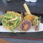 蕎麦切り屋 - 「白エビと野菜天ぷら」